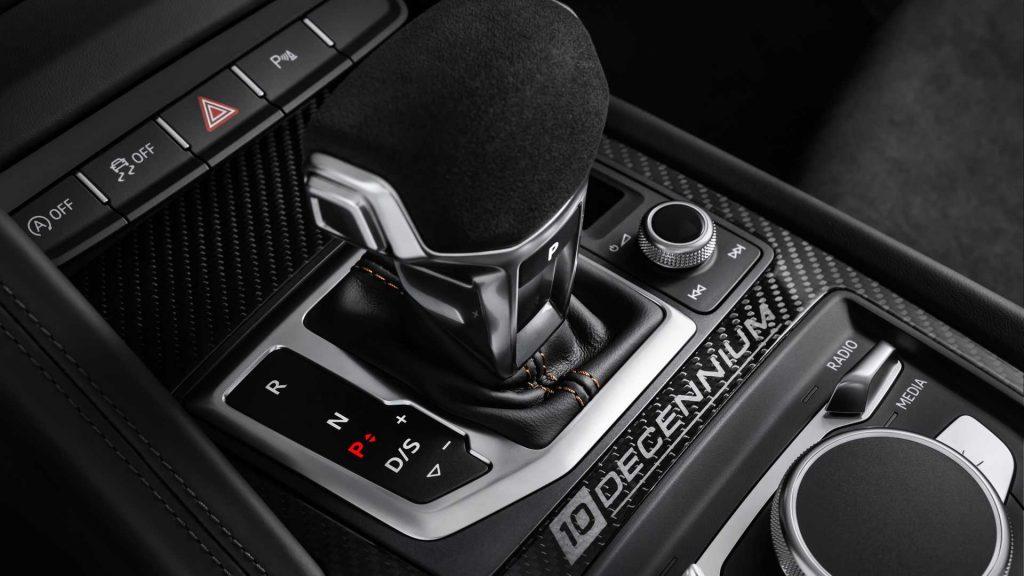 Audi R8 V10 Decennium Gearstick