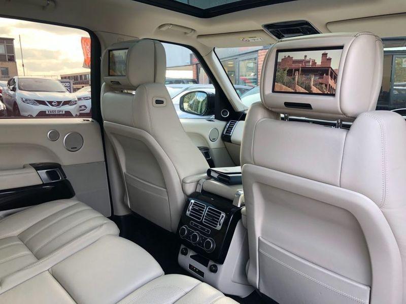 Land Rover Range Rover 3.0 TDV6 VOGUE SE 5d AUTO 255 BHP REAR ENTERTAINMENT   £9K EXTRA full