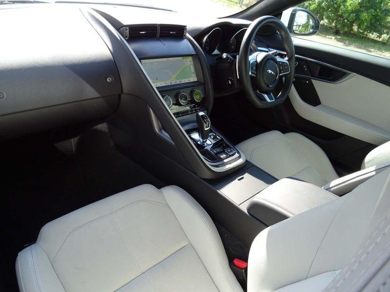 Jaguar F-Type 3.0 V6 R-Dynamic Auto (s/s) 2dr full