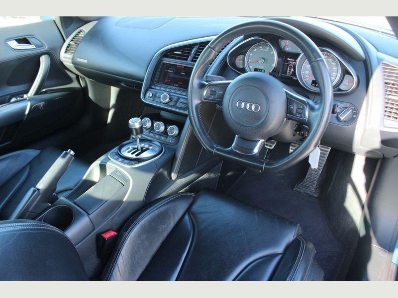 Audi R8 4.2 FSI V8 quattro 2dr full