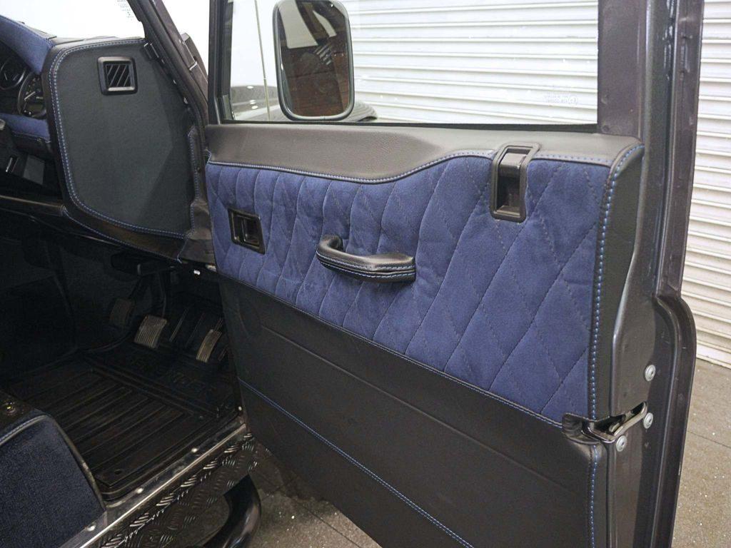 Land Rover Defender 90 2.2 TD XS Hard Top 3dr full