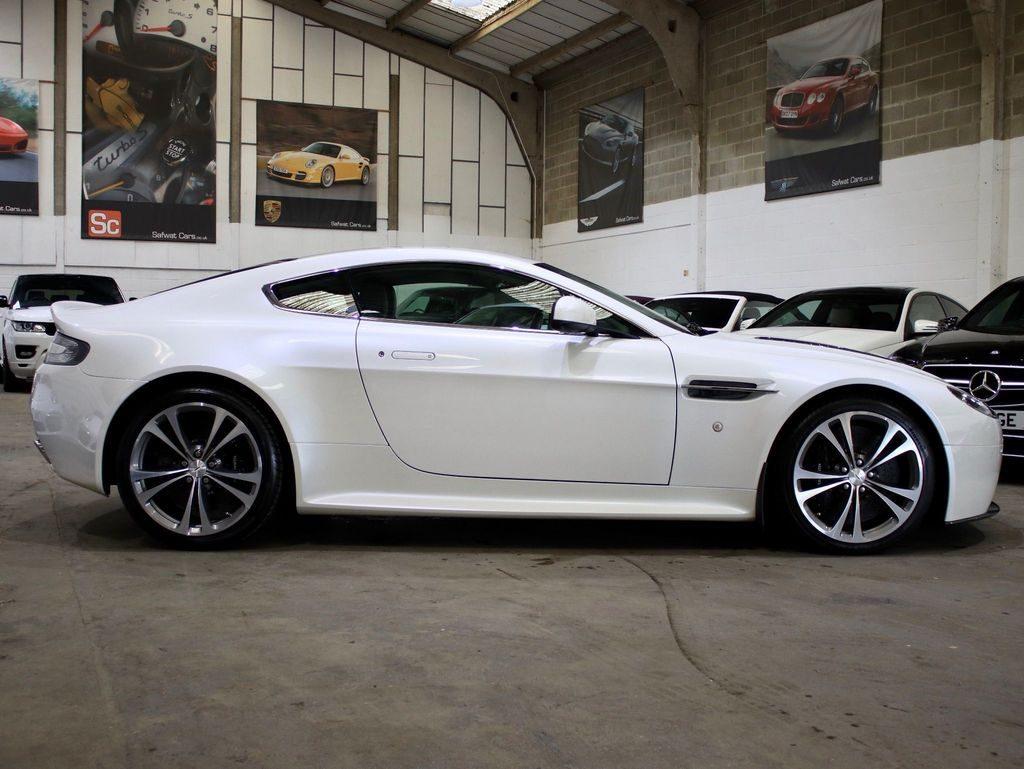 Aston Martin Vantage 6.0 V12 2dr full
