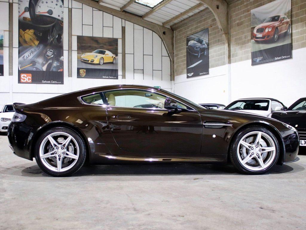 Aston Martin Vantage 4.7 V8 2dr full
