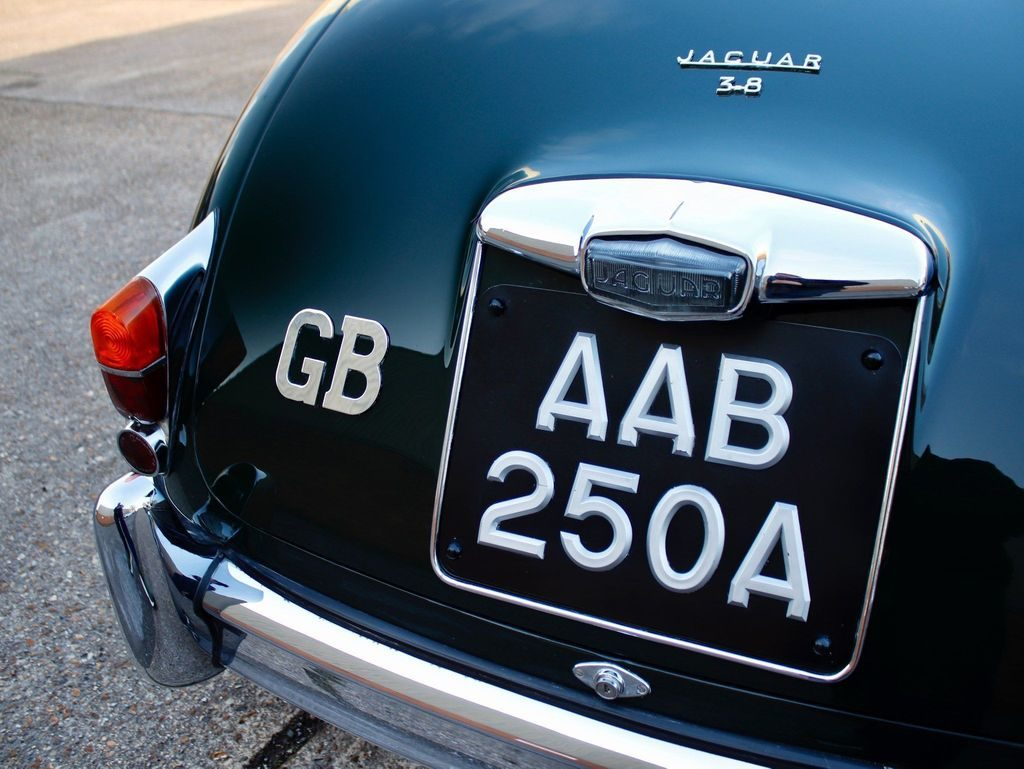 Jaguar Mark II 3.8 4dr full