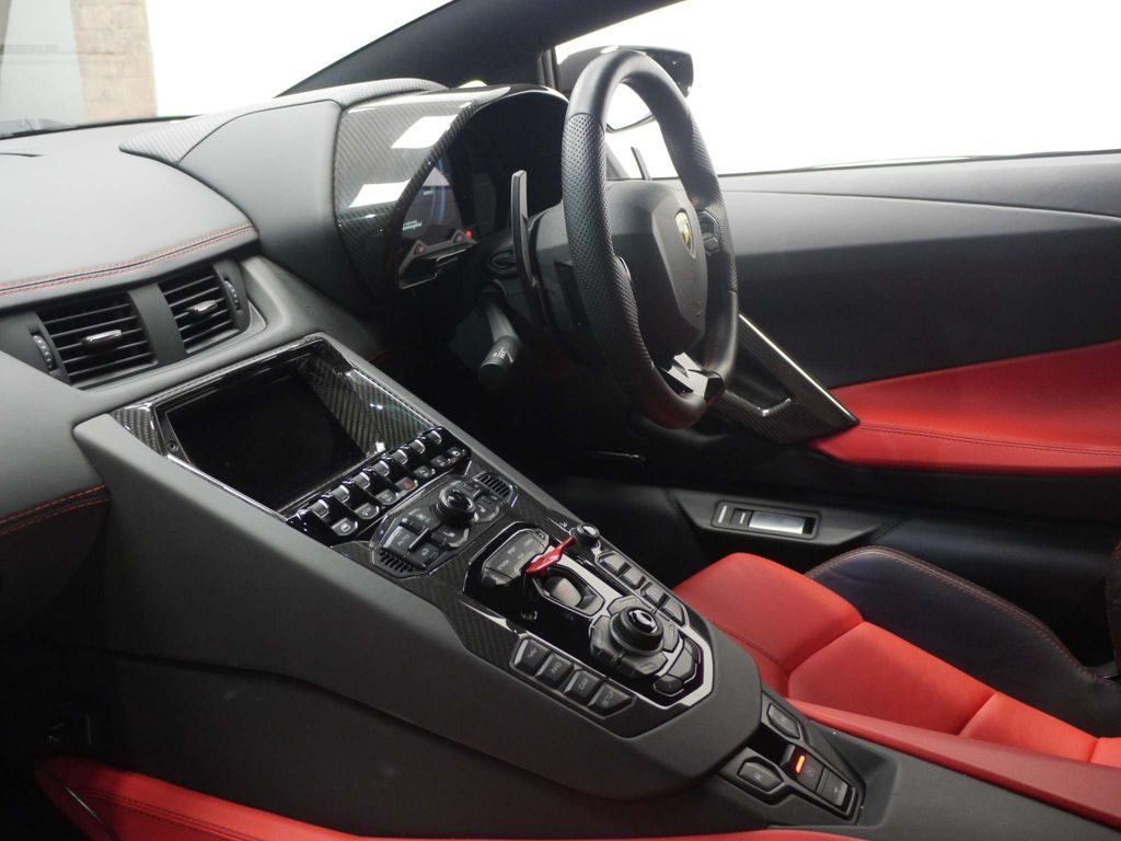 Lamborghini Aventador 6.5 V12 LP 740-4 S ISR 4WD 2dr full