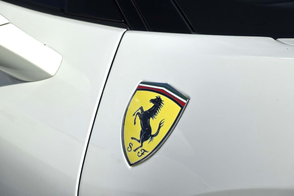 Ferrari 488 3.9T V8 GTB F1 DCT (s/s) 2dr full
